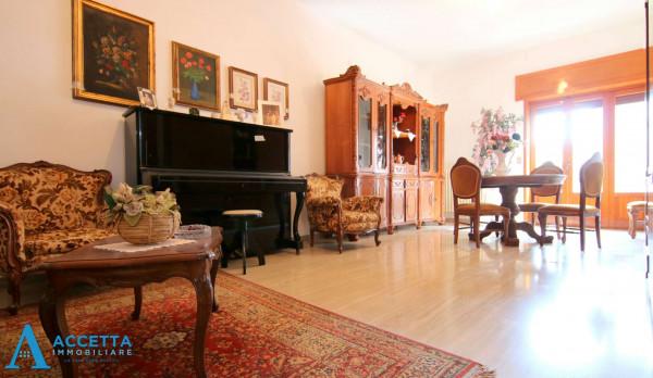Casa indipendente in vendita a Faggiano, 240 mq