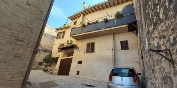 Casa indipendente in vendita a Trevi, Piaggia, 170 mq - Foto 2