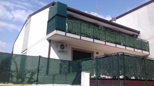 Appartamento in affitto a Caronno Pertusella, 55 mq
