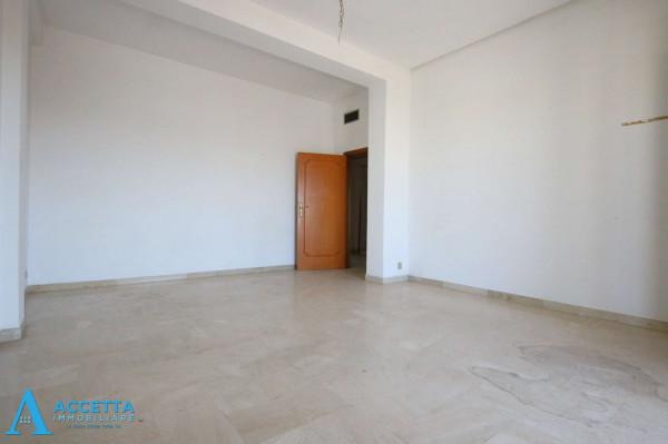 Appartamento in vendita a Taranto, Tre Carrare - Battisti, 95 mq - Foto 9