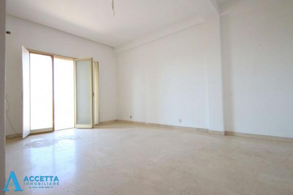 Appartamento in vendita a Taranto, Tre Carrare - Battisti, 95 mq - Foto 10