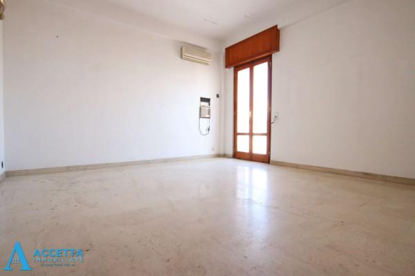 Appartamento in vendita a Taranto, Tre Carrare - Battisti, 95 mq - Foto 8