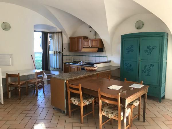 Trilocale in affitto a Rovato, Duomo, Con giardino, 90 mq