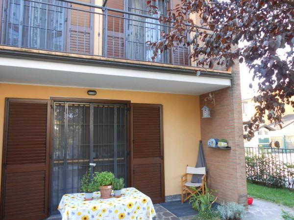 Villa in vendita a Peschiera Borromeo, Residenziale, Con giardino, 250 mq