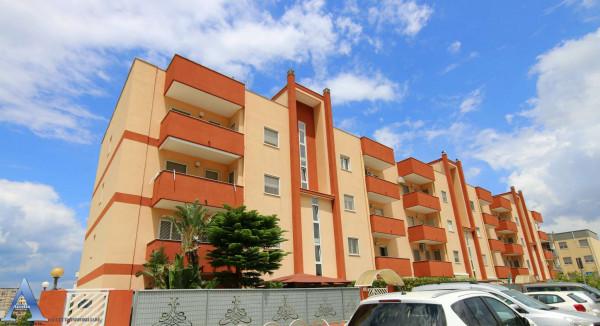 Appartamento in vendita a Taranto, Rione Laghi - Taranto 2, 111 mq