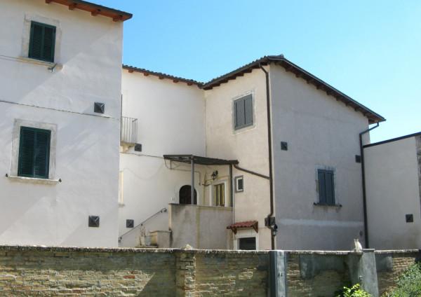 Villetta a schiera in vendita a Navelli, Centro, 136 mq