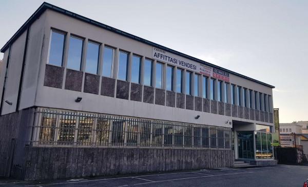 Locale Commerciale  in affitto a Milano, Certosa, 2707 mq
