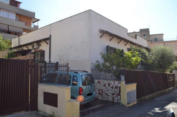 Appartamento in vendita a Roma, Vitinia Centro, Con giardino, 60 mq