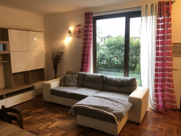 Villa in vendita a Daverio, Residenziale, Con giardino, 130 mq