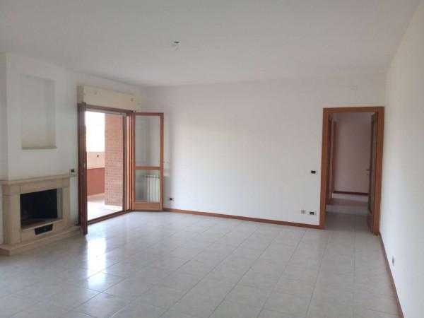 Appartamento in vendita a Roma, Acilia, Con giardino, 120 mq