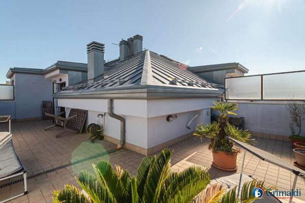 Appartamento in vendita a Rho, Con giardino, 110 mq