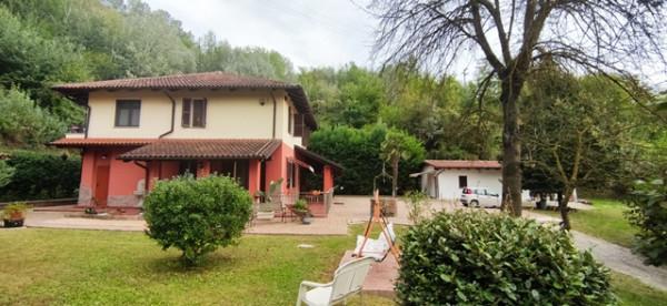 Casa indipendente in vendita a Asti, Torrazzo, Con giardino, 276 mq
