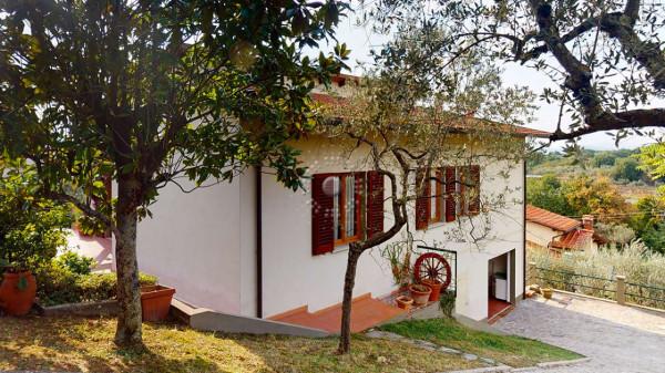 Villa in vendita a Reggello, Con giardino, 206 mq