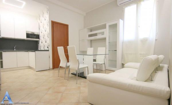 Appartamento in affitto a Taranto, Borgo, Arredato, 52 mq