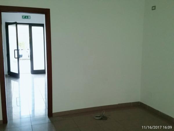 Ufficio in vendita a Spoleto, Semi Periferia, 75 mq