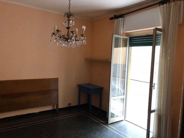 Appartamento in vendita a Genova, Marassi Alta, 55 mq