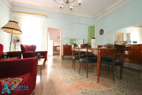 Appartamento in vendita a Taranto, Rione Italia, Montegranaro, 115 mq