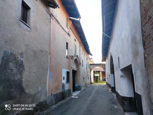 Casa indipendente in vendita a Cerro Tanaro, Centro Storico, Con giardino, 338 mq - Foto 2