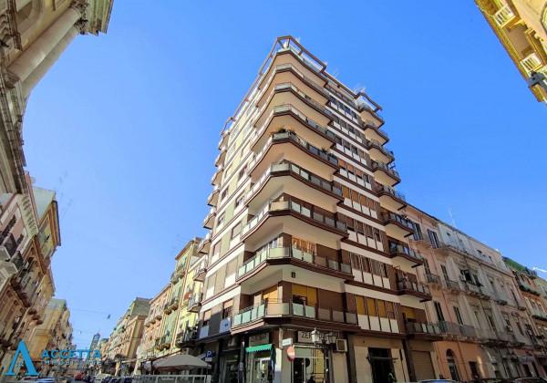 Appartamento in vendita a Taranto, Borgo, 90 mq