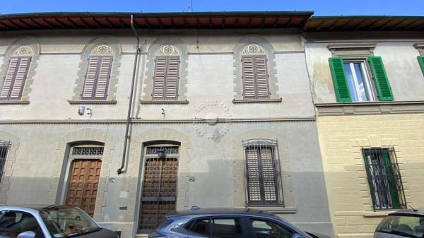 Villa in vendita a Firenze, Con giardino, 177 mq