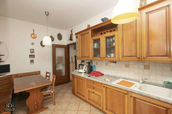 Appartamento in vendita a Genova, Marassi, Con giardino, 145 mq