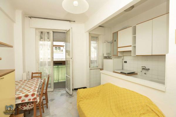 Appartamento in vendita a Genova, Vesuvio, 65 mq