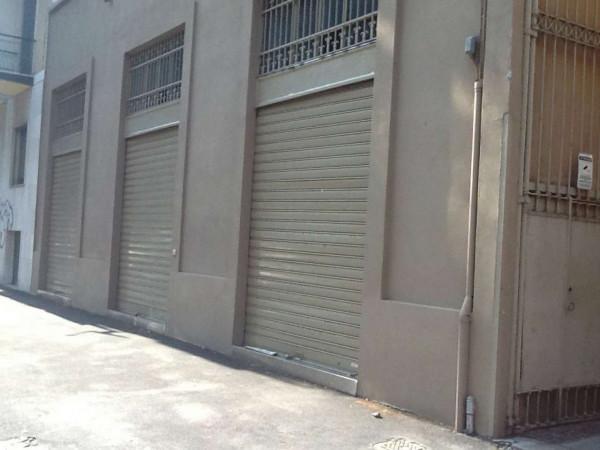 Locale Commerciale  in affitto a Milano, Cermenate, 220 mq