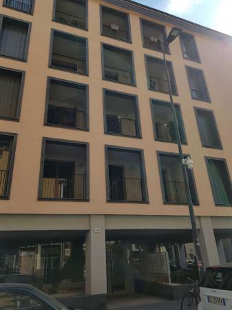 Appartamento in affitto a Milano, Con giardino, 50 mq
