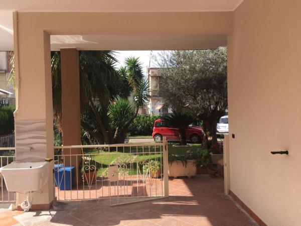 Appartamento in affitto a Sant'Anastasia, Centrale, Con giardino, 100 mq