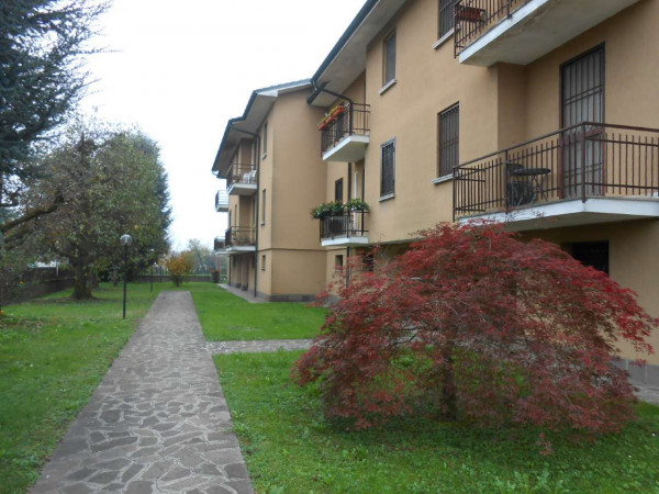 Appartamento in vendita a Pandino, Residenziale, Con giardino, 106 mq