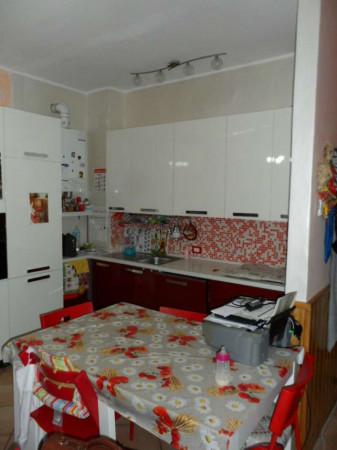 Appartamento in vendita a Leggiuno, Semicentrale, Con giardino, 80 mq