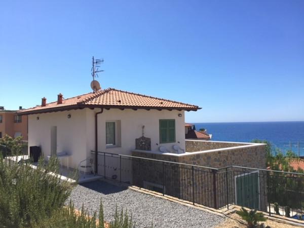 Casa indipendente in vendita a Bordighera, Semicento, Con giardino, 160 mq - Foto 1