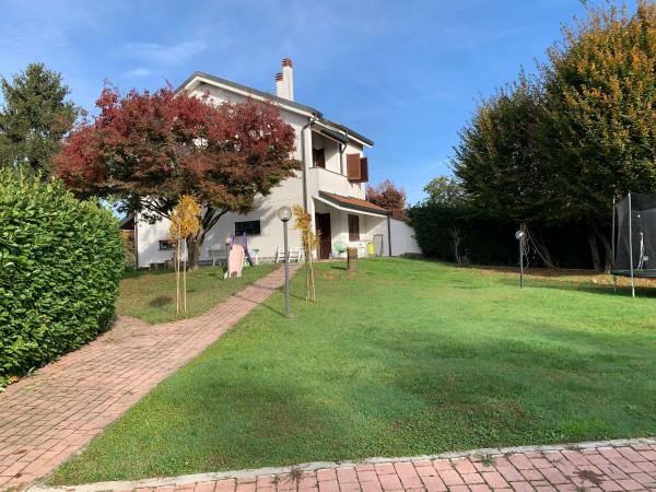 Villa in vendita a Arese, Mercato, Con giardino, 210 mq - Foto 1