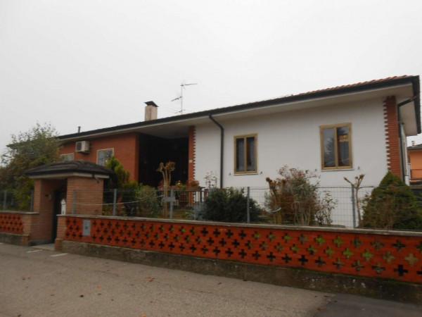 Villa in vendita a Spino d'Adda, Residenziale, Con giardino, 300 mq - Foto 3