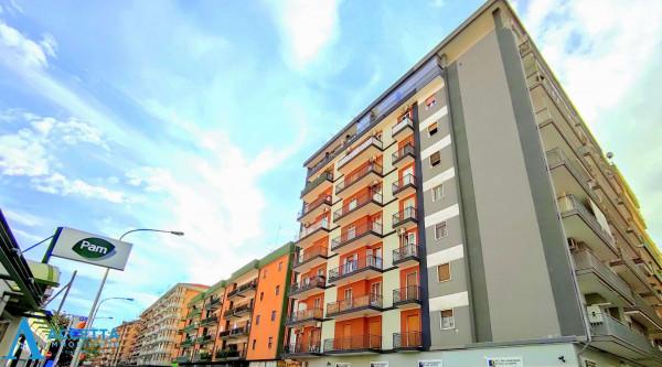 Appartamento in vendita a Taranto, Rione Italia, Montegranaro, 94 mq