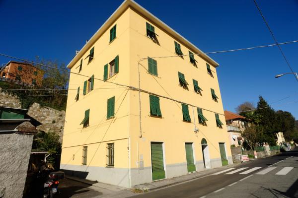 Appartamento in vendita a Genova, Bolzaneto, 90 mq