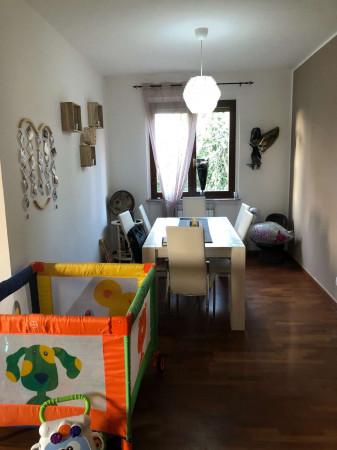 Appartamento in vendita a Sangiano, Centro, Con giardino, 115 mq