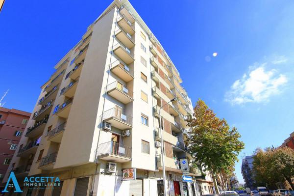 Appartamento in vendita a Taranto, Rione Italia, Montegranaro, 104 mq