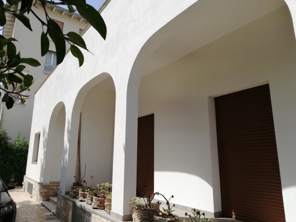 Villa in vendita a Lecce, San Lazzaro, Con giardino, 300 mq