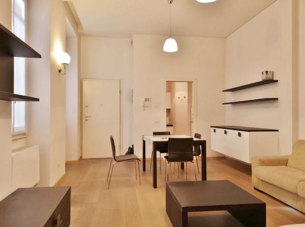 Appartamento in affitto a Milano, Magenta, Arredato, 70 mq
