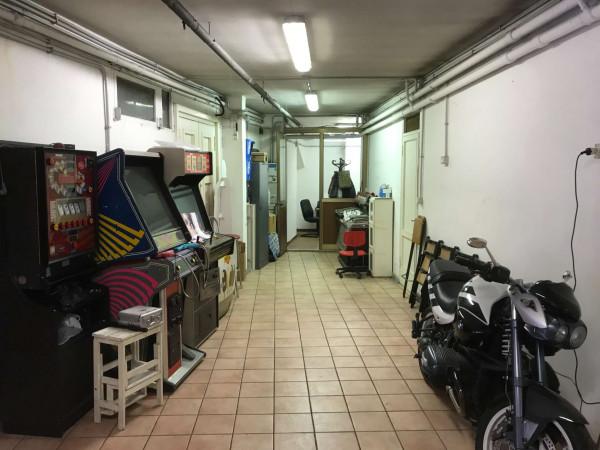 Locale Commerciale  in vendita a Roma, Trieste Coppedè, 130 mq - Foto 15