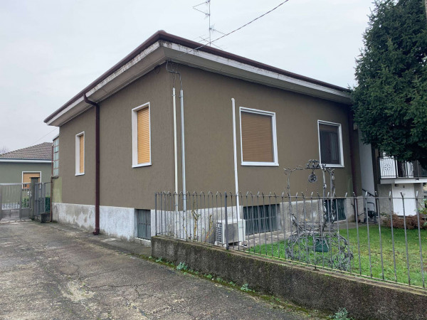 Villa in vendita a Caronno Pertusella, Centro, Con giardino, 270 mq - Foto 17