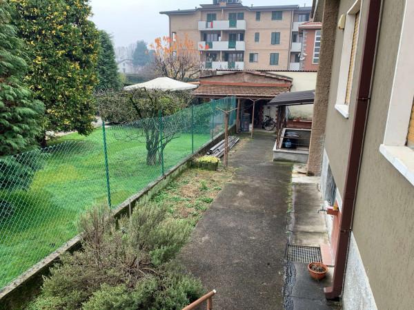 Villa in vendita a Caronno Pertusella, Centro, Con giardino, 270 mq - Foto 3