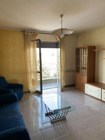 Appartamento in affitto a Caronno Pertusella, Arredato, 90 mq