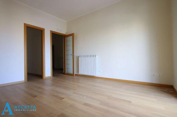 Appartamento in vendita a Taranto, Tre Carrare, Battisti, 69 mq - Foto 14