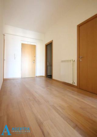 Appartamento in vendita a Taranto, Tre Carrare, Battisti, 69 mq - Foto 17