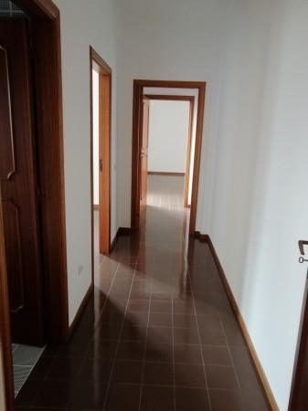 Appartamento in affitto a Lecce, Partigiani, 140 mq