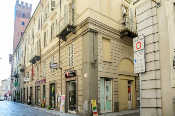 Appartamento in vendita a Asti, Centro Storico, 128 mq