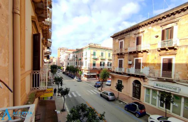 Appartamento in vendita a Taranto, Borgo, 67 mq
