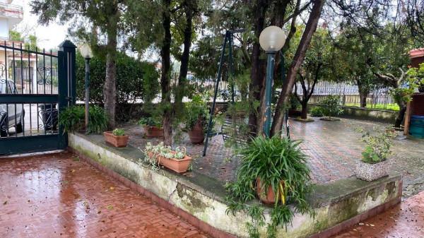 Villa in vendita a Brusciano, Centrale, Con giardino, 300 mq